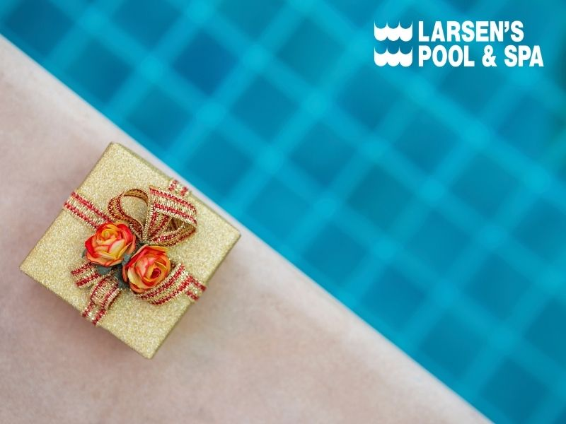 swimming-pool-gift-ideas