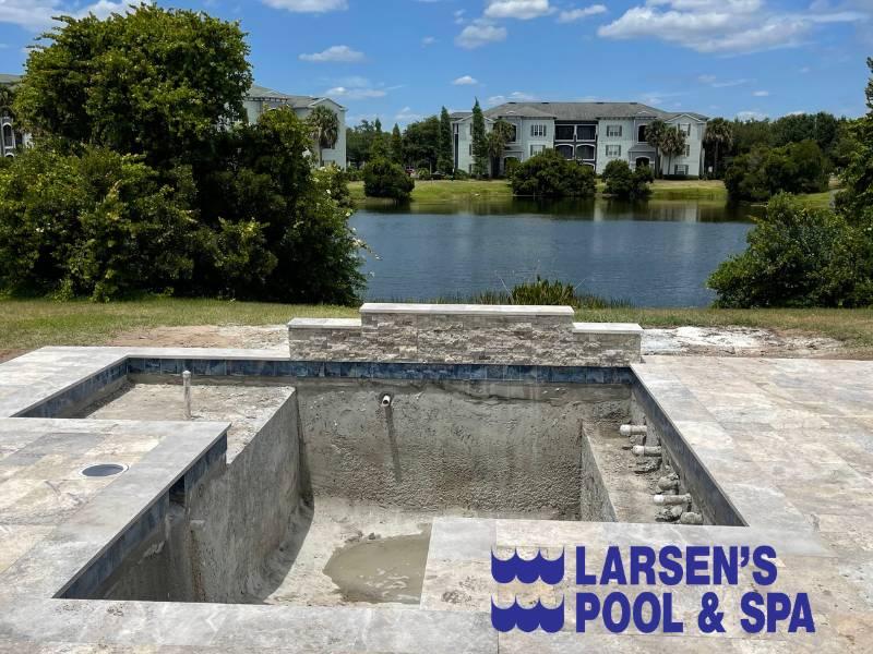 custom-built-swimming-pools